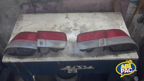 Premi�re photo pour Tail light honda si 2000