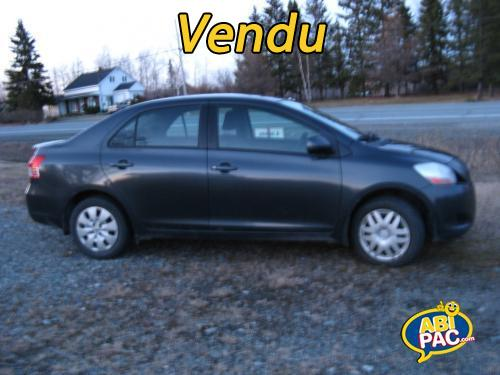 Premi�re photo pour Toyota Yaris 4 portes 2010 à vendre.