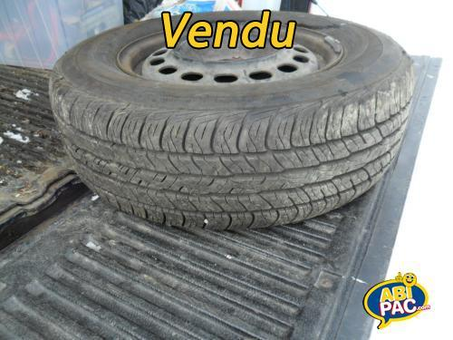 Première photo pour 4 pneus d'été 2015 avec rim DUNLOP 205/70r15