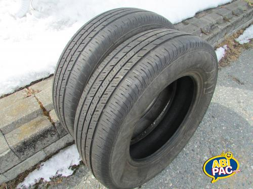 Premi�re photo pour 2 pneu P205/70R16